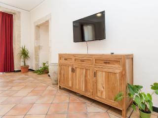 Elegante appartamento - Cagliari vacation rentals