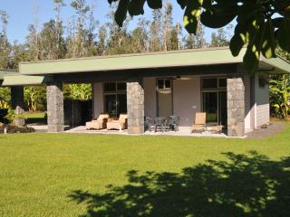 Hale E Komo Mai - comfortable guest house (Ohana) - Puna District vacation rentals