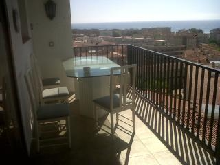 Torredembarra Penthouse Swimming pool - Torredembarra vacation rentals