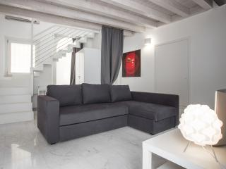 Charming house with 4 sleeps, private courtyard - Verona vacation rentals