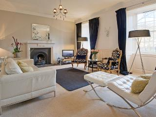 3 Gayfield Square: Central Luxury, quiet location. - Edinburgh vacation rentals