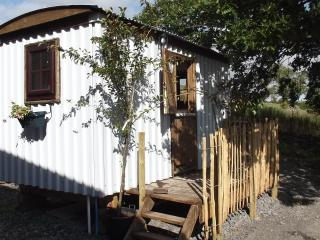 HERDWICK HUT, Hot tub private 24/7.alston &; Lakes - Alston vacation rentals