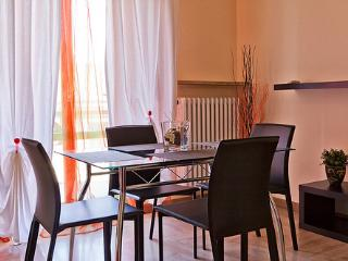 Bright and comfortable apartment in the city center - Verona vacation rentals