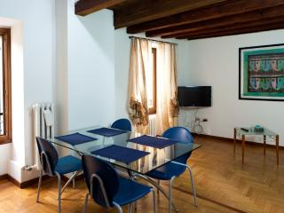 Elegant and comfortable apartment in the old town - Verona vacation rentals
