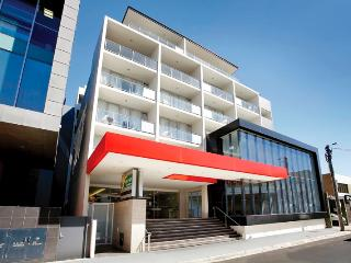 Amity Apartment Hotels - One Bedroom Apartm - Melbourne vacation rentals