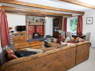 CRAG VIEW COTTAGE, family friendly, character holiday cottage, with a garden in West Woodburn, Ref 1969 - West Woodburn vacation rentals