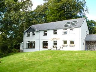 EVERSLEY GARTH, detached house, woodburner, WiFi, snooker table, spacious accommodation, in Camelford, Ref 26332 - Bodmin vacation rentals