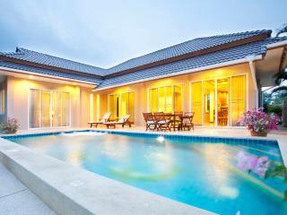 Villa with private pool in quiet area near beach - Hua Hin vacation rentals