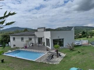 Nice Villa with Internet Access and Satellite Or Cable TV - Foix vacation rentals
