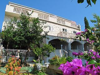 Great apartment near sea  Leo A4+1 - Bol vacation rentals