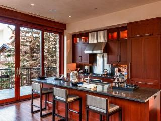 A beautiful luxury rental condominium in the heart of Vail Village. - Vail vacation rentals