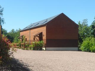 Beautiful Cottage with Internet Access and Central Heating - Thury-Harcourt vacation rentals