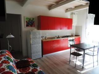 appartamento a 50 metri dal mare e dal centro - San Vincenzo vacation rentals