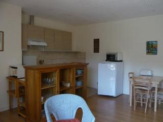 2 bedroom Condo with Dishwasher in Lucy-sur-Yonne - Lucy-sur-Yonne vacation rentals