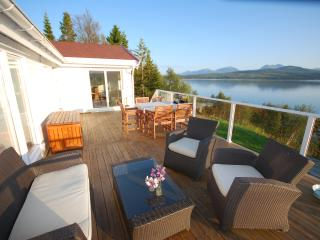 Fantastic holiday house by the sea - Kvaloya vacation rentals