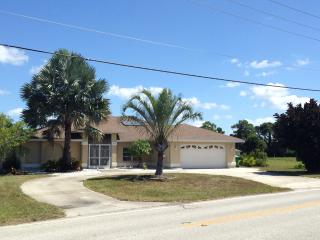 Beautiful and quiet waterfront home in SW Florida - Rotonda West vacation rentals