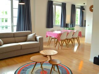 TOUR & TAXIS 2 + FREE PARKING - Brussels vacation rentals