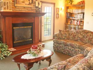 Large Victorian Country Home in Berlin, Ohio - Walnut Creek vacation rentals