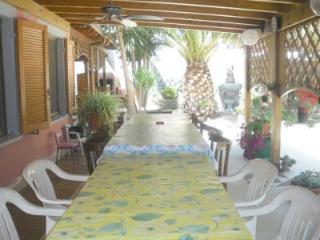 villetta a 100metri dal mare con ampio giardino - Quartu Sant Elena vacation rentals