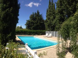 MOBIL HOME 27 M² à 10 mn d'AVIGNON - Saze vacation rentals