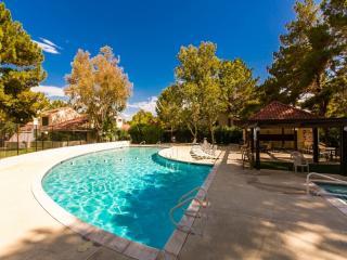 Resort Villa ~ 3+3~pool/spa/tennis~10 Min To Strip - Las Vegas vacation rentals