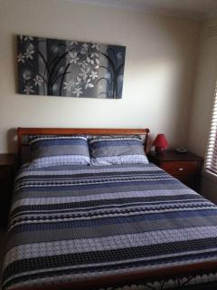 Cozy 3 bedroom House in Lakes Entrance - Lakes Entrance vacation rentals
