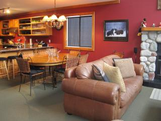 Ski-in/Ski-out - 6bdr/6bath - Silver Star Resort - Silver Star Mountain vacation rentals