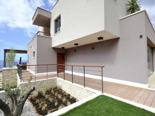Villa Tonci (8+2) - Makarska - Makarska vacation rentals