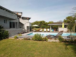 Nice Villa with Internet Access and A/C - Bonifacio vacation rentals