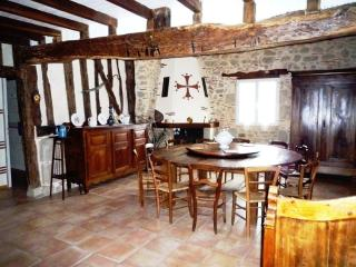 4 bedroom House with Outdoor Dining Area in Tombeboeuf - Tombeboeuf vacation rentals