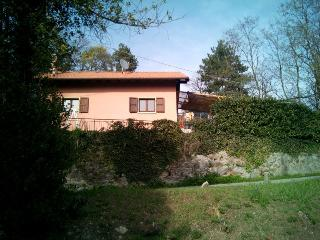 2 bedroom Cottage with Garden in Pallanza - Pallanza vacation rentals