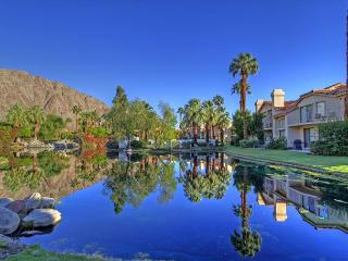 3 Bedroom Condo with breathtaking Mountain & Lake views - La Quinta vacation rentals