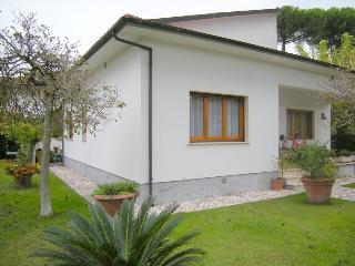 Ferienhaus Villa Ramona - Cinquale vacation rentals