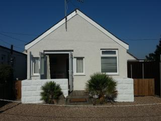 Beach Cottage, Jaywick Sands, Clacton on Sea - Clacton-on-Sea vacation rentals