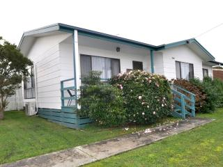 WAHROONGA - Inverloch vacation rentals