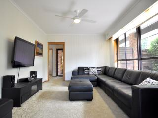 Nice 3 bedroom Inverloch House with A/C - Inverloch vacation rentals