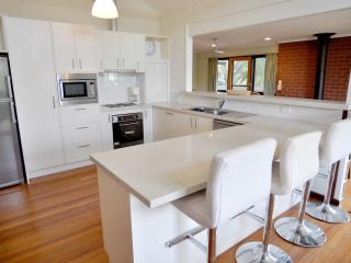 3 bedroom House with Dishwasher in Inverloch - Inverloch vacation rentals