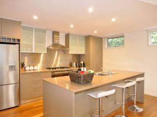 Comfortable 4 bedroom House in Inverloch with A/C - Inverloch vacation rentals