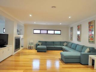 Bright Inverloch House rental with Television - Inverloch vacation rentals