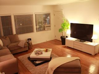 2 bdr / 1 bath in heart of Brentwood + Pool - Santa Monica vacation rentals