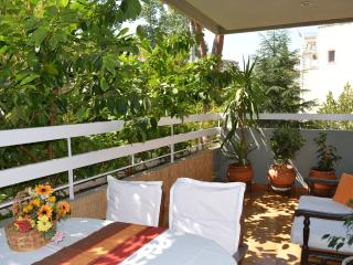 Green Aristocratic 3-Bedr Condo - Metro in 350m - Chalandri vacation rentals