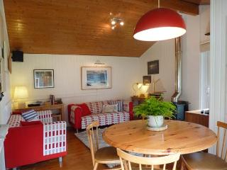 MEADOW LODGE, family friendly, character holiday cottage, with a garden in Coldingham, Ref 1855 - Coldingham vacation rentals