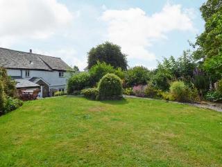 BECKFOLD COTTAGE, semi-detached, woodburner, parking, garden, near Ulverston, Ref 22161 - Ulverston vacation rentals