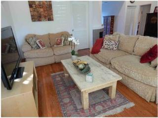 Sherman Oaks Charming 2 Bedroom House (4698) - North Hollywood vacation rentals