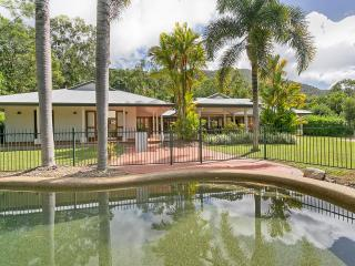 Heaven to enjoy  @ the gate to Great Barrier reef - Kewarra Beach vacation rentals