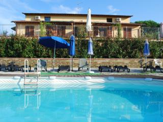 Comfortable 4 bedroom House in Montopoli in Val d'Arno - Montopoli in Val d'Arno vacation rentals