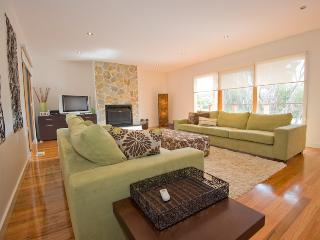 Gorgeous 4 bedroom House in Blairgowrie with A/C - Blairgowrie vacation rentals