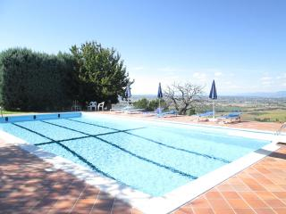 Perfect Villa in Panicale with Dishwasher, sleeps 8 - Panicale vacation rentals