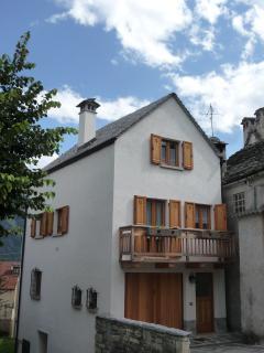 Romantic 1 bedroom Gite in Crodo - Crodo vacation rentals