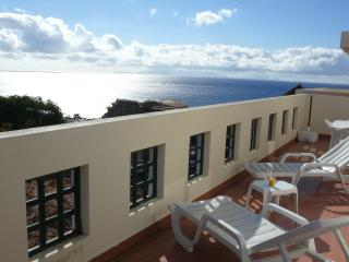 1 bedroom Condo with Internet Access in Canico - Canico vacation rentals